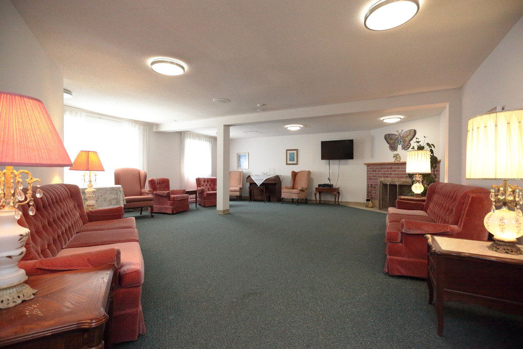 Photo of lounge. Large lounge at Zerin Place for visiting, reading or watching videos.